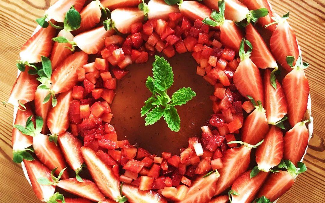 Erdbeere-Holunder Torte